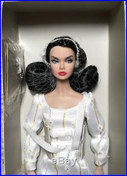 2017 Integrity Toys Convention Fairest of All Poppy Parker Dressed Doll