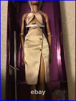 2020 Legendary Convention Miami Glam Kesenia Valentinova Doll Fashion Royalty