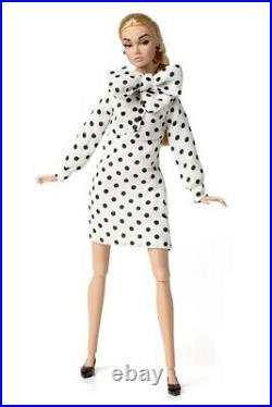 Anniversary kiss Poppy Parker Fashion Royalty Integrity Toys READ