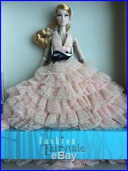 FR 2017 Integrity Fairytale Conv VANESSA SPELL OF KINDNESS FASHION ROYALTY DOLL