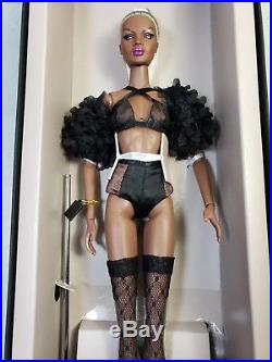 FR Vanity & Glamour Nadja Rhymes close-Up Doll the Heirloom Collection NRFB