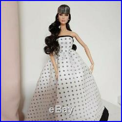 Fashion Royalty Bare Essential Dania RARE doll Integrity toys Worldwide Ship