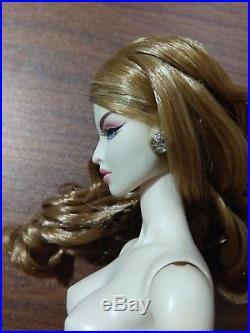 Fashion Royalty Doll Go North Isha LE300 on Fr2 NUDE