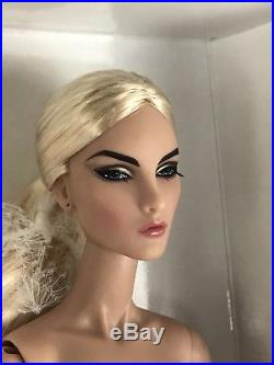Fashion Royalty Elise Jolie Intrigue 2014 Gloss Convention Centerpiece NUDE