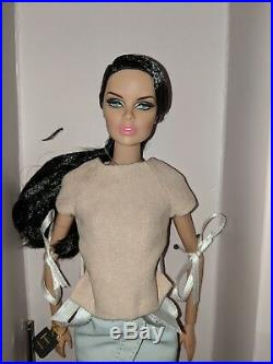 Fashion Royalty Fashion Explorer Vanessa Perrin Doll 2014 Exclusive Complete VGC