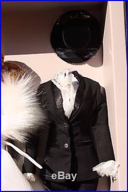 Fashion Royalty Feminine Perspective Agnes Von Weiss Mini-Gift Set