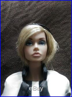 Fashion Royalty IT RARE HTF Poppy Parker She's Not There Spring Collection 2012