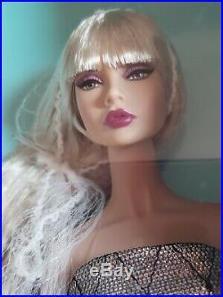 Fashion Royalty Integrity Split Decision Poppy Parker W Club Nrfb In Hand
