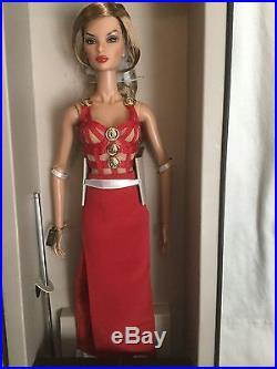 Fashion Royalty Legendary Natalia Centerpiece doll 2016 Conv
