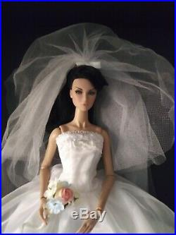 Fashion Royalty Lilith Integrity Toys & Barbie Collectibles Bride Set Stand New