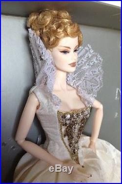 Fashion Royalty Queen V Dollybird Doll Veronique LE 400 Mint Condition