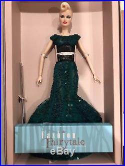 Fashion Royalty Sea Devil Veronique Dressed Doll