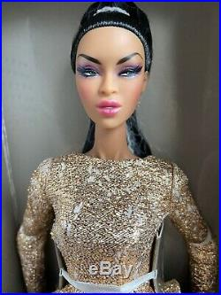 Fr 2018 Integrity Luxe Life Con Adele Walking On Gold Fashion Royalty Doll Nrfb