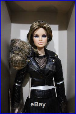 Full Speed Erin Fashion Royalty NuFace 2016 Convention Centerpiece NRFB