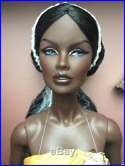 INTEGRITY FR Serenity VANESSA PERRIN Fashion Royalty Doll Gift Set Sacred Lotus
