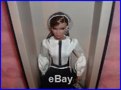 IT Fashion Royalty Heiress Erin Salston NU. Face Dressed Doll NRFB 2017