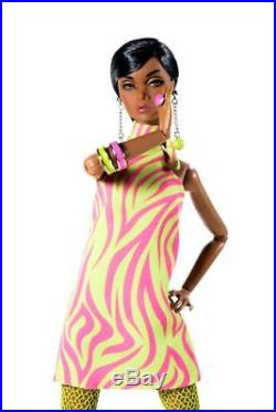 Integrity Poppy Parker Hold That Tiger Swinging London Collection NRFB