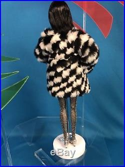 Kicks Poppy Parker 2016 Supermodel Convention W RARE Centerpiece Acrylic Stand