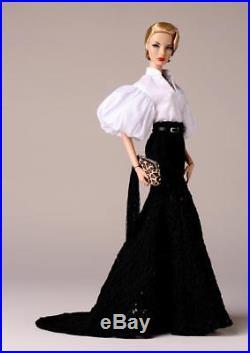 Merveilleuse Agnes Von Weiss NRFB! Doll La Femme 2017 Fashion Royalty Pre Sale