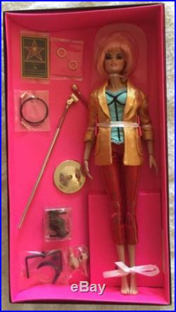 NEW NRFB Integrity Toys SDCC Jem and the Holograms HOLLYWOOD JEM Doll with SHIPPER
