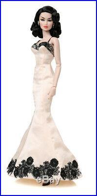 NRFB KYORI SATO IDOL WORSHIP CINEMATIC CONVENTION 12 doll Fashion Royalty FR