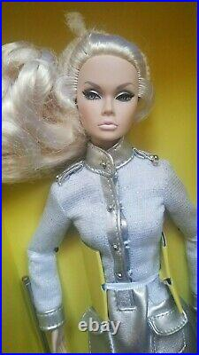 NRFB OUT OF THIS WORLD POPPY PARKER THE MODEL SCENE INTEGRITY TOYS Doll 12 INCH