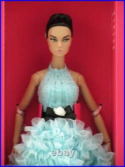 NRFB Poppy Parker Love Is Blue Doll Integrity Toys Centerpiece Exclusive