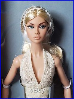 New 2018 IFDC Poppy Parker Souvenir Convention Doll NRFB SUMMER OF LOVE