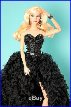 RARE Giselle DARK ROMANCE Nu Face DRESSED Fashion Royalty Doll Integrity Toy