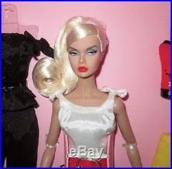 W Club Exclusive Ooh La La Poppy Parker Gift Set NRFB